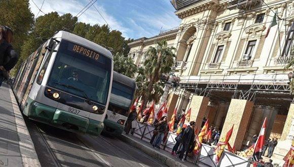 Sindicatos de Italia convocan a huelga general de 24 horas en protesta contra la política económica del Gobierno, 21 de octubre de 2016. Foto: AFP.