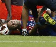 Iniesta en el momento en que sale lesionado. Foto: Sport.