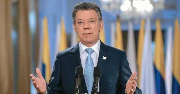 El presidente colombiano, Juan Manuel Santos, expresó en una alocución televisiva que el cese al fuego con las FARC se extiende hasta el 31 de diciembre. Foto: AFP.