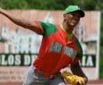 El lanzador tunero Yoelkis Cruz, abridor del Primer juego de la serie particular frente a Camagüey, correspondiente a la 56 Serie Nacional de Béisbol. Foto:  Rodolfo BLANCO CUÉ/ ACN.