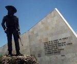 Monumento a Camilo Cienfuegos. Museo Nacional Camilo Cienfuegos. Yaguajay,Sancti Spiritus. Foto René Pérez Massola