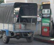 En agosto de este año se vendieron 29920 litros de diesel en los servicentros villaclareños, seis veces más que en agosto del año anterior. Foto: Ramón Barreras.