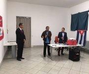 El realizador colombiano, Hernando Calvo Ospina, comparte con los asistentes. Foto: Asociación Nacional de Amistad Italia-Cuba.