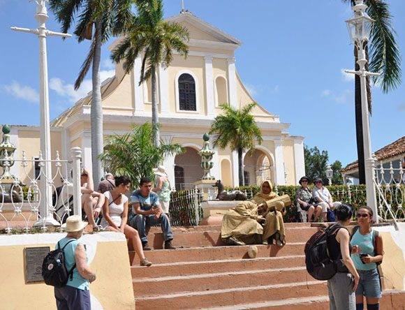 El ascenso en arribo de turistas redunda en el aumento de los ingresos del cuentapropismo. (Foto: Vicente Brito/ Escambray)