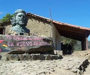 Miles de personas de América, Europa y Asia viajarán en octubre a esa localidad, del departamento de Santa Cruz, para rendir homenaje al guerrillero argentino cubano. Foto: Archivo.