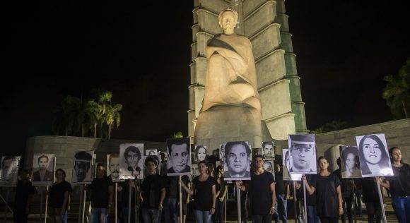 Vigilia en honor a las Víctimas del Terrorismo contra Cuba, Plaza de la Revolución, 5 de octubre de 2016. Foto: Ismael Francisco / Cubadebate