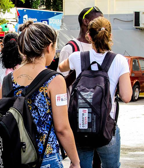 Los jóvenes de la UH reiteraron la necesidad de poner fin al bloqueo. Foto: Cinthya García Casañas.