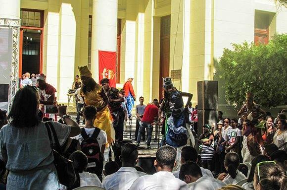 La música y la danza también estuvieron entre las principales actividades convocadas por la Federación Estudiantil Universitaria (FEU). Foto: Cinthya García Casañas.