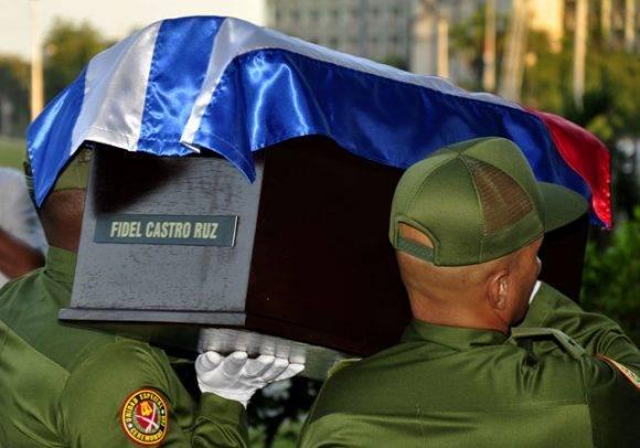 Vigilia agramontina para acompañar a Fidel en su regreso a Santiago