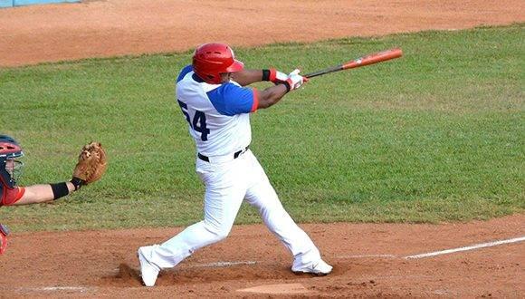 Despaigne jugará los play off y ya castigó a Matanzas en esta Serie. Foto: Armando Ernesto Contreras/ ACN.