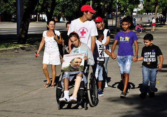 Con Fidel todos. Foto. Roberto Garaicoa Martínez/ Cubadebate.
