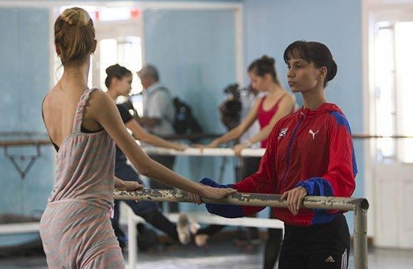 Grettel Morejón, Primera Bailarina del Ballet Nacional de Cuba durante el entrenamiento. Foto: Ladyrene Pérez/ Cubadebate.