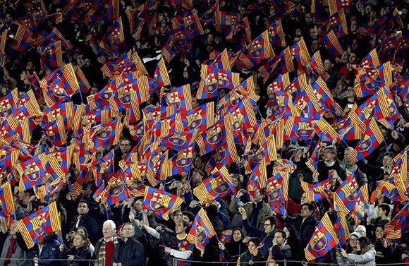 Fanaticada del Barcelona en el Sánchez-Pizjuán. Foto tomada de Twitter.