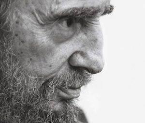 Fidel-Castro-el-héroe-de-los-desheredados-580x871