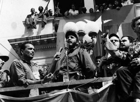 Fidel durante su discurso en Santa Clara.