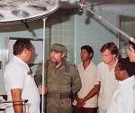 """Fidel en acto de inauguración del Hospital """"Julio Trigo"""", en Arroyo Naranjo, el 5 de septiembre de 1987."""