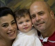 Una familia feliz. Foto: Ismael Francisco / Cubadebate