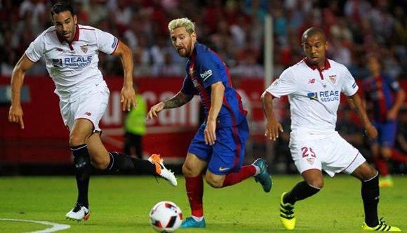 Messi escapa de Rami y Mariano. Foto tomada de Twitter.