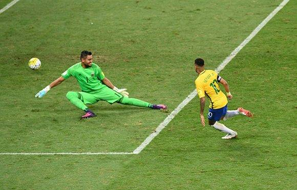 Neymar marcó el segundo tanto. Foto: Evaristo Sa/ AFP.