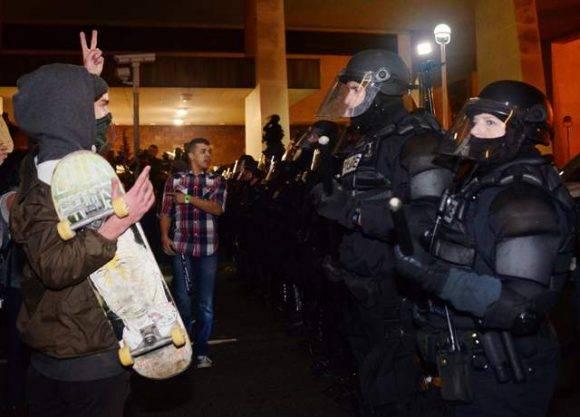 Escena de las protestas contra Trump en Oregon. Foto: AFP.