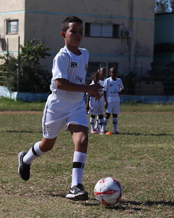 El objetivo de este entrenamiento es contribuir a la formación de valores a través del deporte. Foto: José Raúl Concepción/ Cubadebate.