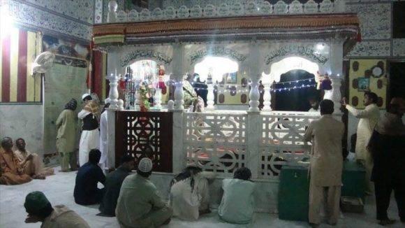 El santuario de Shah Noorani se halla ubicado en el distrito de Khuzdar. Foto tomada de HispanTV.