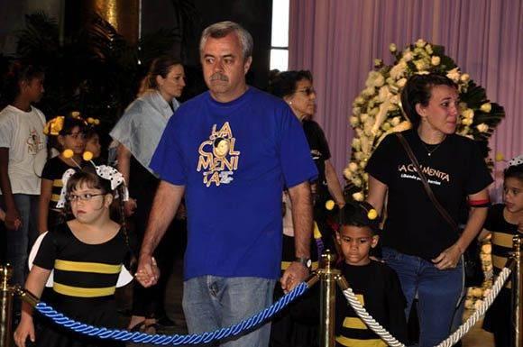 Tim Cremata al frente de sus discipulos.  Foto.: Roberto Garaicoa Martínez. Cubadebate