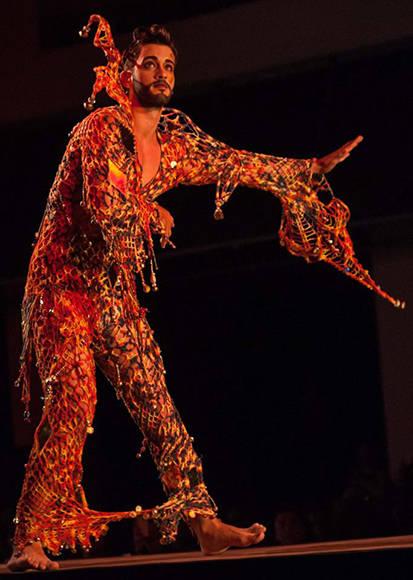 Diseño de Ignacio Carmona (Nachy), inspirado en la obra Etiqueta Rigoletto, siglo XIX, de la Colección Remixed, en Arte y Moda, en el Museo Nacional de Bellas Artes, en La Habana, el 13 de noviembre de 2016. ACN FOTO/Diana Inés RODRÍGUEZ RODRÍGUEZ.