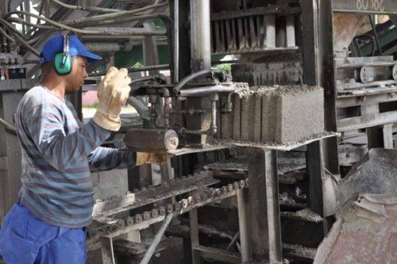 En todos los municipios del país está presente la producción local, la cual se inserta de manera coherente en la estrategia de desarrollo del mismo.