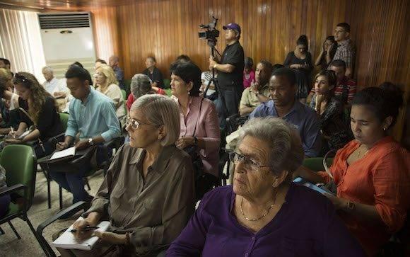 Esta edición estará dedicada además a la sur central provincia de Cienfuegos, cuya impronta artesanal descolla precisamente en diversas producciones textiles, incluida la tradicional guayabera. Foto: Ismael Francisco/Cubadebate