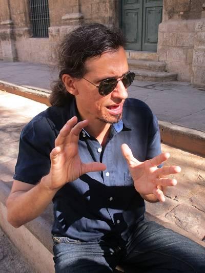 """1-La arqueología puede ser entendida como una ciencia que aporta a la historia, o que está muy próxima, porque pretende reconstruir hechos socio-históricos"""", dijo el Doctor Ulises M. González Herrera."""