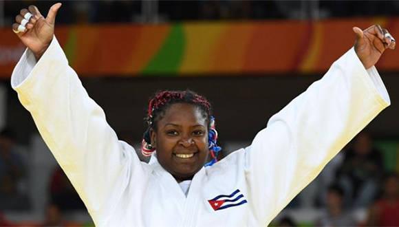 La yudoca cubana completo el podio de medallas en Brasil al haber conquistado la de bronce en Pekín, oro en Londres y plata en Río de Janeiro. Foto: Getty Images.