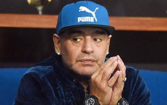 Diego Maradona y la angustia por la muerte de su amigo Fidel Castro. Foto: AFP