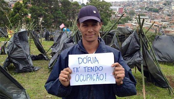 Movimiento de Trabajadores Sin Techo de Brasil, ocupa terrenos en la ciudad de Sao Paulo y anuncia más iniciativas de este tipo. Foto: Sitio en Facebook del MTST.