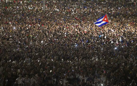 La plaza desbordada. Foto: Ladyrene Pérez/ Cubadebate