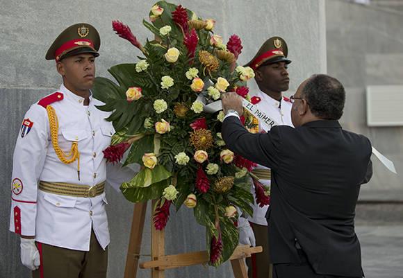 primerministro-papuanuevaguinea-ofrenda
