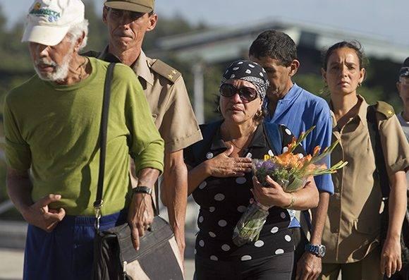 Desde la Plaza de la Revolución, el dolor no se comparte, se multiplica. Como dijo Fidel, en este mismo lugar cuando el pueblo rindió honores a los mártires del crimen de Barbados, en 1976. Foto: Ladyrene Pérez/ Cubadebate