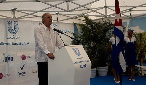 Paul Polman, presidente de Unilever, viajó a La Habana para participar de la ceremonia. Foto: Ismael Francisco/ Cubadebate.