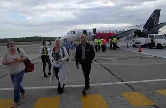 Comenzaron los vuelos regulares desde EEUU a Santiago de Cuba