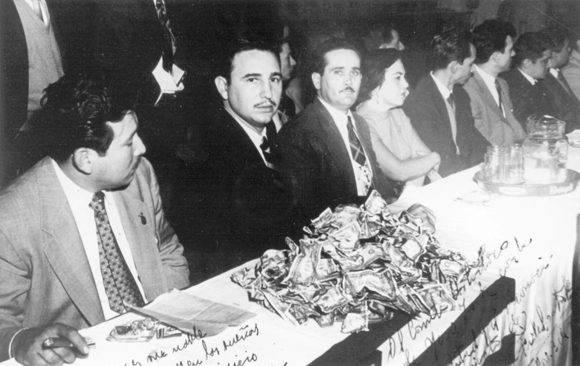 Juan Manuel Márquez junto al líder de la Revolución Cubana, Fidel Castro. Foto: María del Carmen Ramón/ Cubadebate.