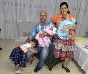 Adriana, Gerardo, Gema, Ámbar y Gerardito. Foto: Estudios Revoulción