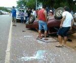 Las muertes se deben en su mayoría a accidentes de tránsito y asesinatos. En la imagen un choque que se cobró la ida de varias personas. Foto: paraguay.com.