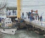 Acciones de búsqueda y rescate tras accidente del avión ruso. Foto: Yevgeny Reutov/ Reuters.