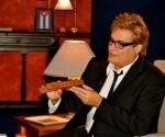 """Amaury Pérez en """"Con dos que se quieran"""". Foto tomada del Portal de la TV cubana."""