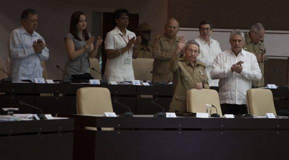 Raúl Castro participa en la sesión de la Asambla Nacional. Foto: Ladyrene Pérez/ Cubadebate.