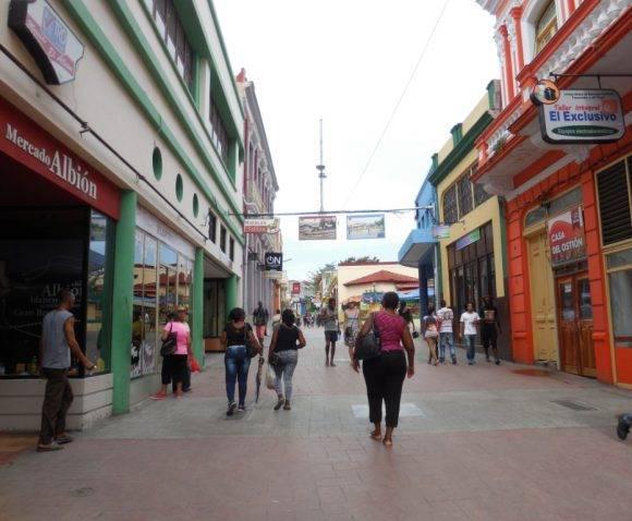 Boulevard de Santiago de Cuba. Foto: Roberto Ariel Ferrera Romero / Cubadebate