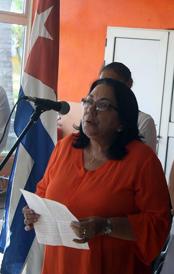 La viceministra del Minsap, Marcia Cobas Ruiz, estuvo a cargo de las palabras de bienvenida. Foto: José Raúl Concepción/ Cubadebate.