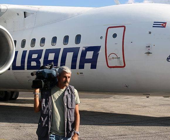 Los medios de comunicación cubanos presentes en la llegada de la brigada Henry Reeve. Foto: José Raúl Concepción/ Cubadebate.