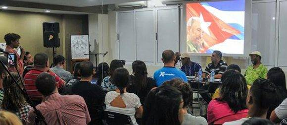 Encuentro del actor estadounidense Danny Glover, con  jóvenes en el Pabellón Cuba, en  La Habana, el 28 de diciembre de 2016.       ACN  FOTO/ Ariel Cecilio LEMUS ALVAREZ DE LA CAMPA/ rrcc