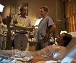 """Fernando Pérez (izq.) junto a Patricio Wood y Jorge Martínez durante la filmación de """"Últimos días en La Habana"""". Ambos actores ganaron en el Festival de Gibara. Foto: Archivo."""